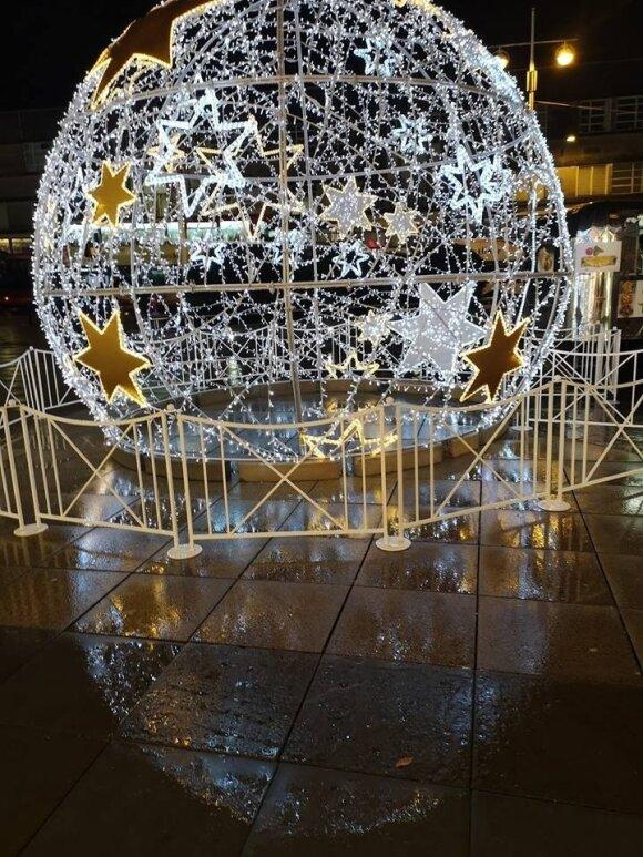 Fiksavo kalėdines eglutes užsienio šalyse ir pasakė, ko trūksta Lietuvos miestams