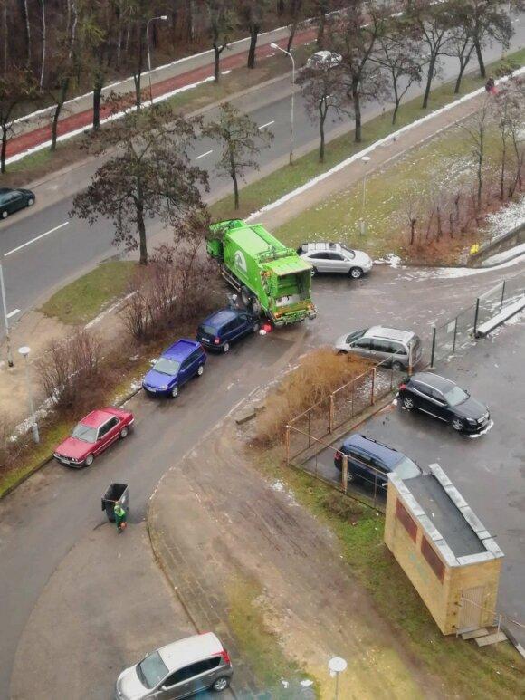 """Automobilio savininkas liko nesupratęs: kuo """"Ecoservice"""" darbuotojui užkliuvo mano mašina?"""