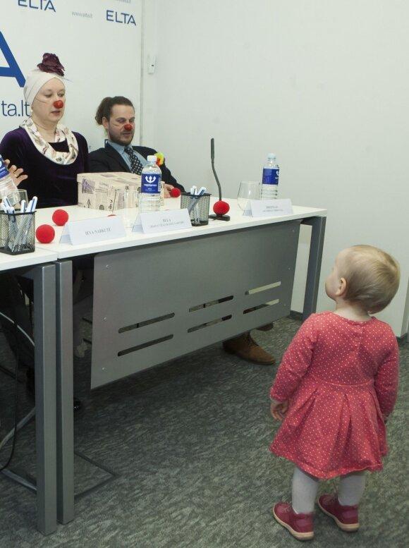 Veiksmingiausia pagalba susirgus: gydytojai klounai dalijosi išbandytais receptais