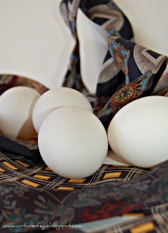 Neįprastas, bet smagus kiaušinių marginimo būdas