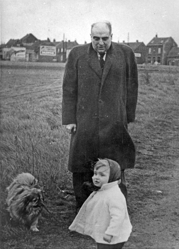 Maudie Julien su tėvu