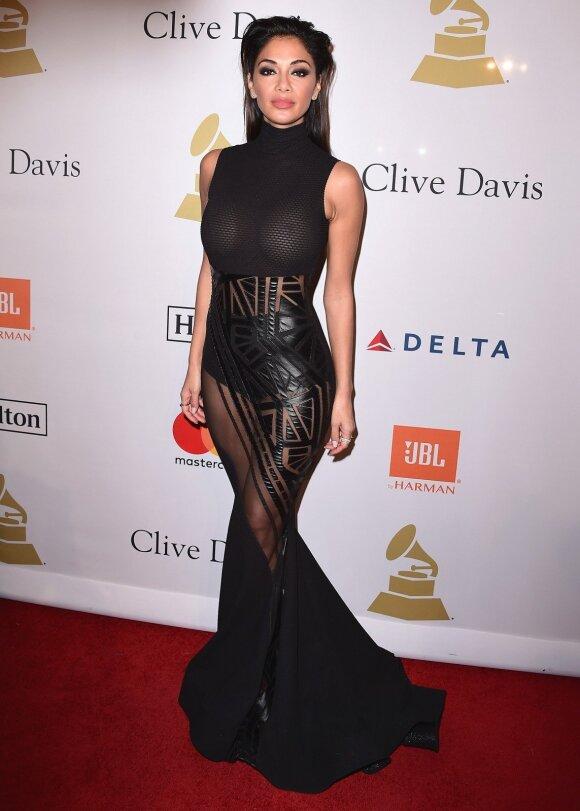 Nicole Scherzinger tikriausiai pamiršo, kad jos palaidinė persišviečia...