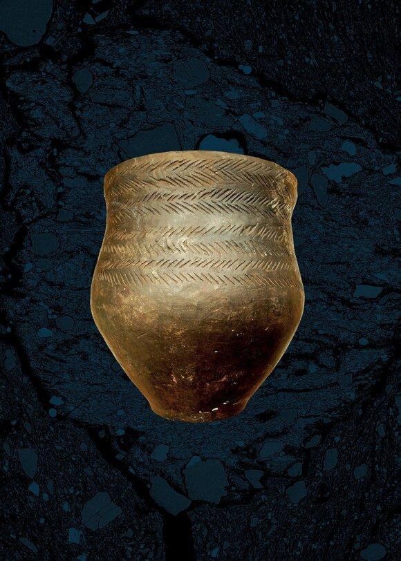 Pajūryje gyvenusių protėvių lipdyti puodai - vienuose lengvai pasislėptų vaikai, o kiti primena miniatiūrinius puodelius
