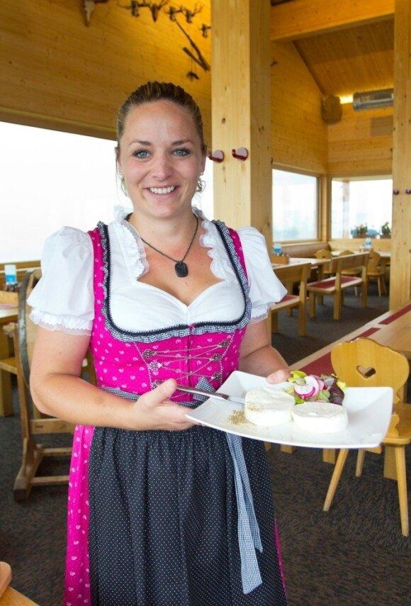 Šviežias ožkos sūris į Valterio Simos restoraną atkeliauja iš močiutės sodybos