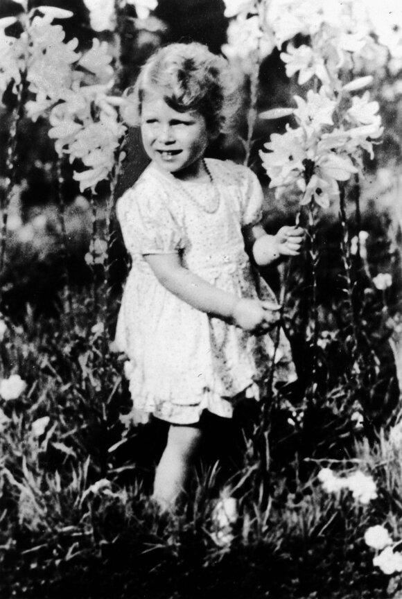 Karalienė Elžbieta II vaikystėje