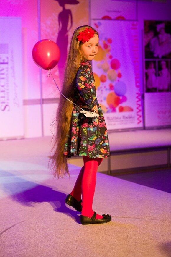Išrinktos mergaitės, turinčios ilgiausius plaukus