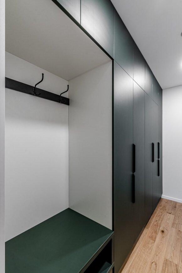 Interjero dizainerė 42 kv.m butą įrengė taip, kad jame tilpo viskas, ko reikia (B. Šileikos nuotr.)