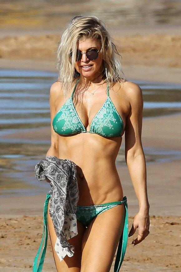 COSMO karštis: 41 metų Fergie atrodo tiesiog pritrenkiančiai
