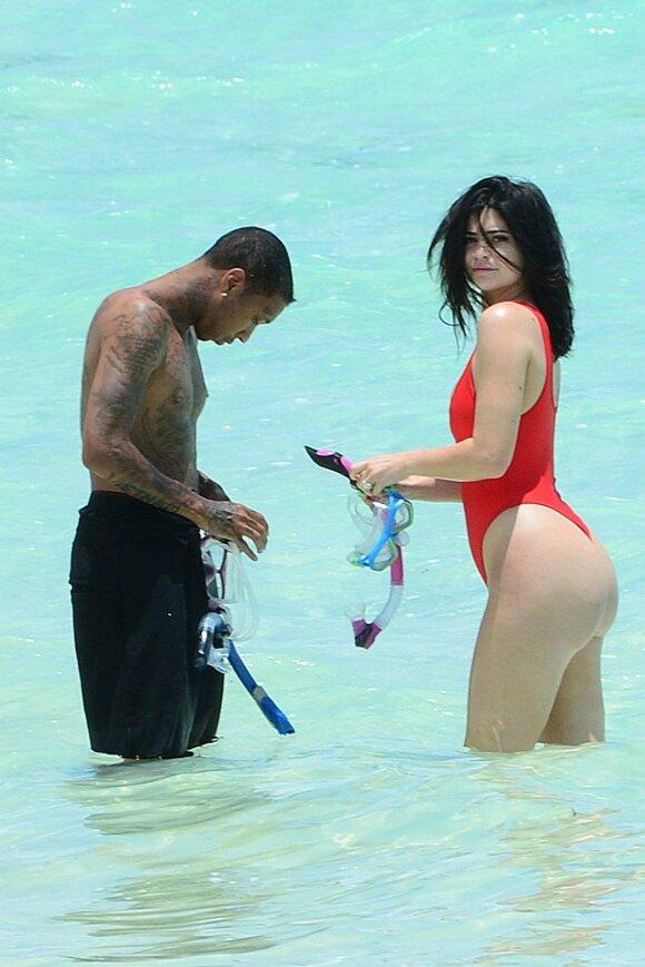 Rojus žemėje: kur ilsisi Kardashian merginos