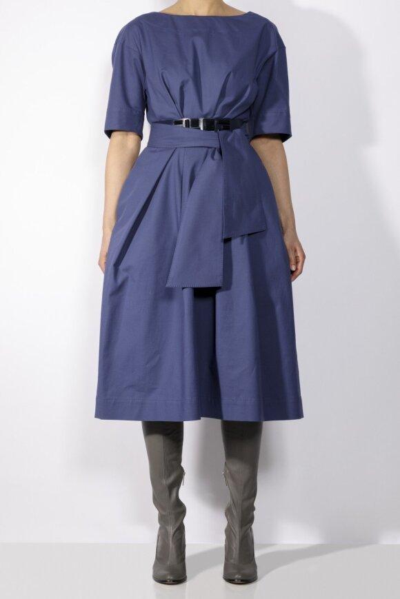 Vasaros garderobas pagal dizainerę Ramunę Piekautaitę – tik su suknelėmis