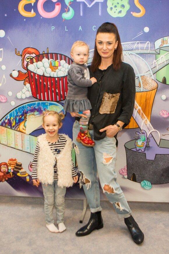 Reda Bžeskienė su vaikais