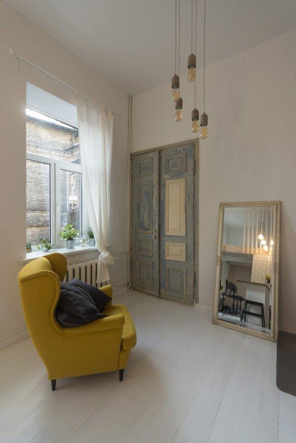 36 kv.m butas Vilniuje: senovinio interjero romantika