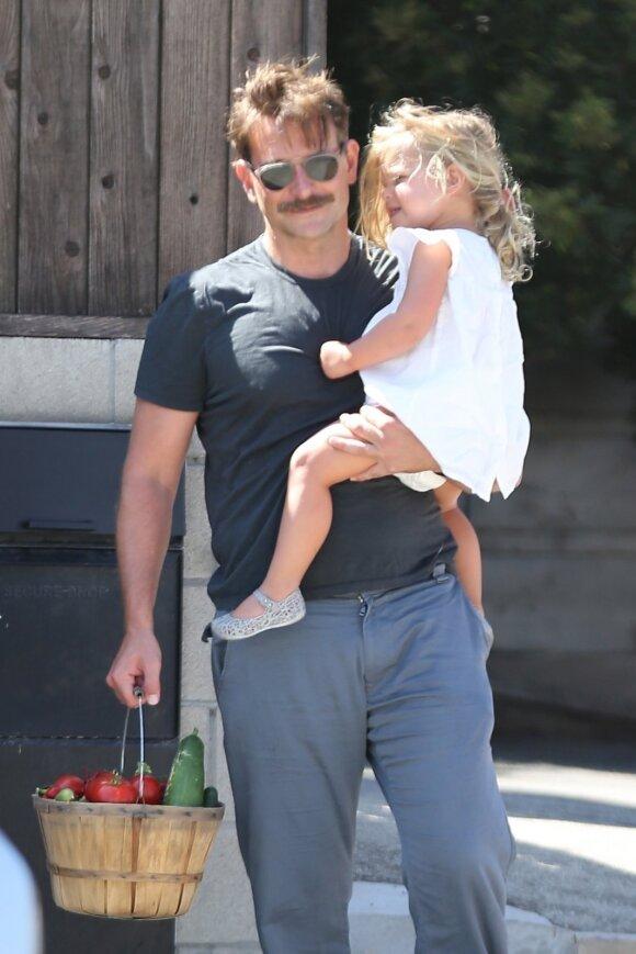 Bradley Cooper su dukra