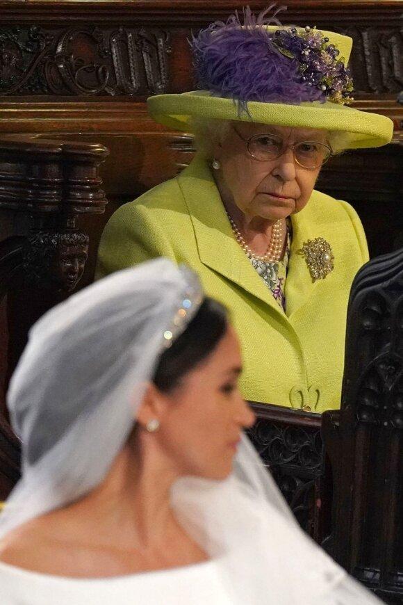 Karalienė Elžbieta II sir Meghan Markle