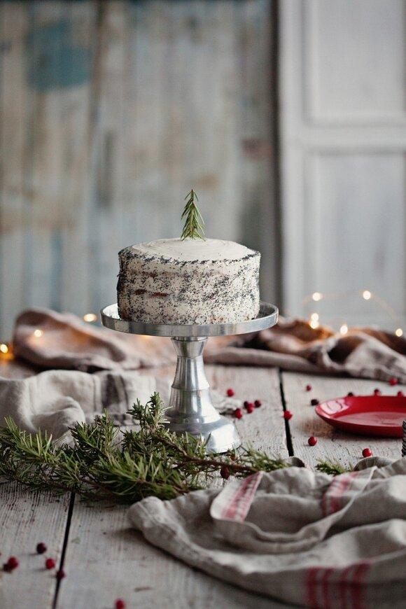 Žiemos tortas su spanguolėmis
