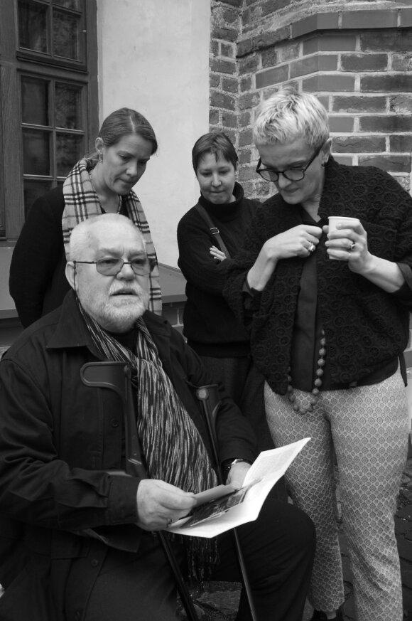 Antanas Sutkus su dukromis Indre ir Giedre ir žmona Rima