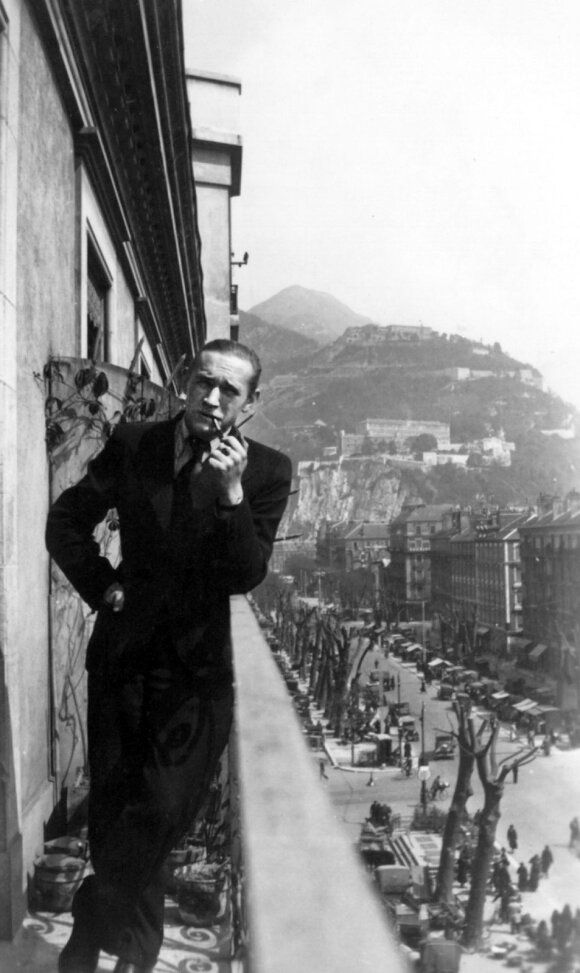 Algirdas Julius Greimas Grenoblyje (1937)
