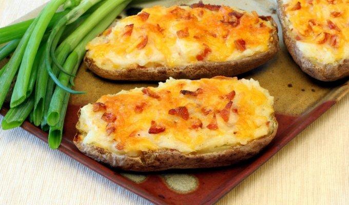 Pačios skaniausios įdarytos bulvės (vos 3 ingredientai!)