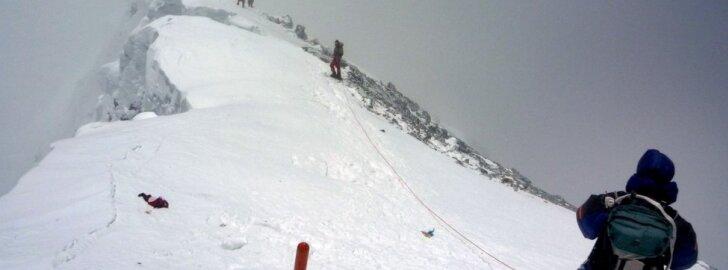 """Nuo Everesto atskilo didžiausias alpinistų iššūkis – """"Hilario laiptai"""""""