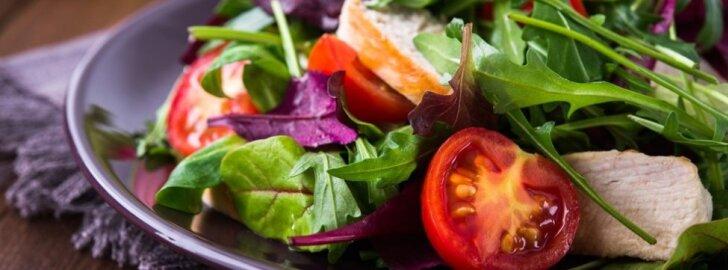 Su nekantrumu laukiantys lietuviškų žalumynų netrukus džiaugsis naujomis salotų rūšimis