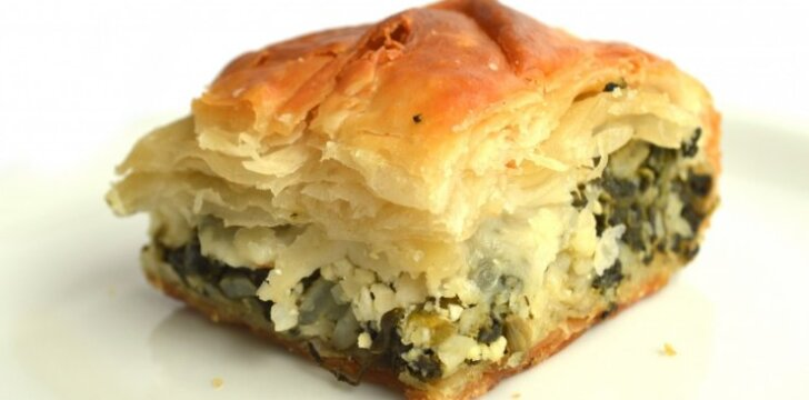 Neatsivalgomai skanus špinatų ir sūrio pyragas