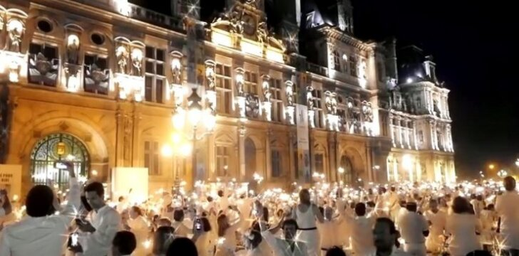 """Diner en Blanc"" Paryžiuje"
