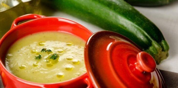 Nekaloringas daržovių troškinys - sriuba