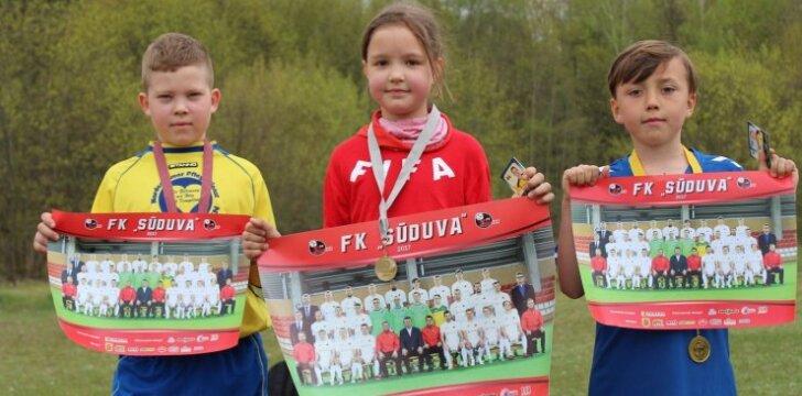 """Kauno gimnazijoje – pradinukų futbolo šventė """"Goooliukas"""""""