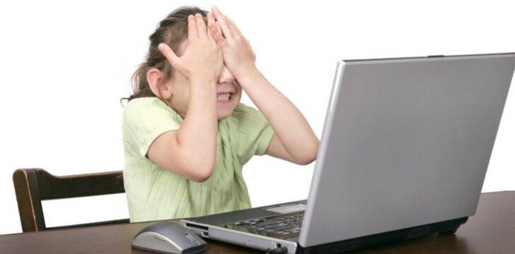 Psichologė - apie patyčias internete: vaikui skauda dar labiau