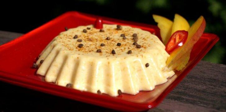 Gaivus kreminis sūrio ir mangų desertas