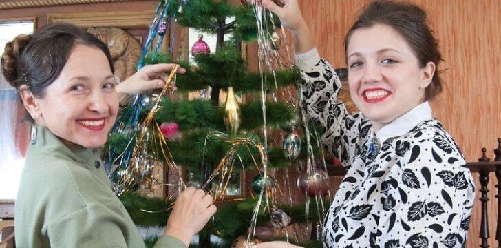 """Ar pirkti Kalėdų dovaną <span style=""""color: #ff0000;"""">mylimojo mamai?</span>"""