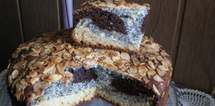 Varškės - aguonų pyragas