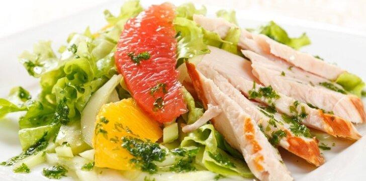 Vištienos salotos su greipfrutais