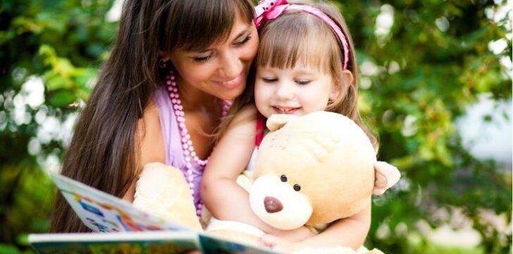 7 patarimai, kaip tėvai gali paskatinti vaiko kalbą