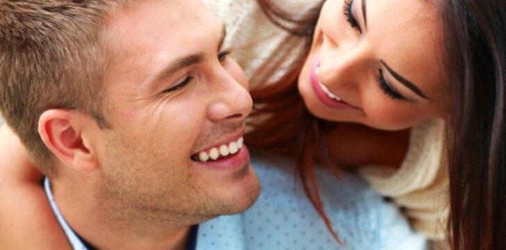 8 požymiai, kad radai vyrą, kuris nesiliaus tavęs mylėti
