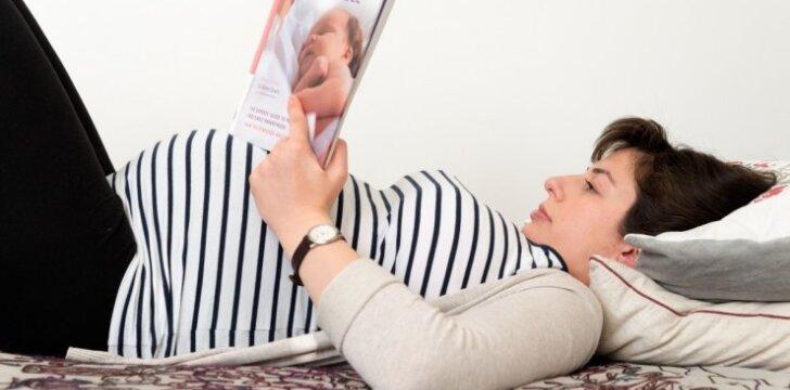 """<span style=""""color: #ff0000;"""">Vilijos gimdymas:</span> šokiai gimdykloje ir knyga, kurią būtina perskaityti"""