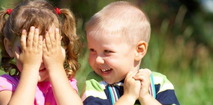 """<span style=""""color: #ff0000;"""">Kaip geriau vaikui:</span> eiti į darželį ar ne?"""