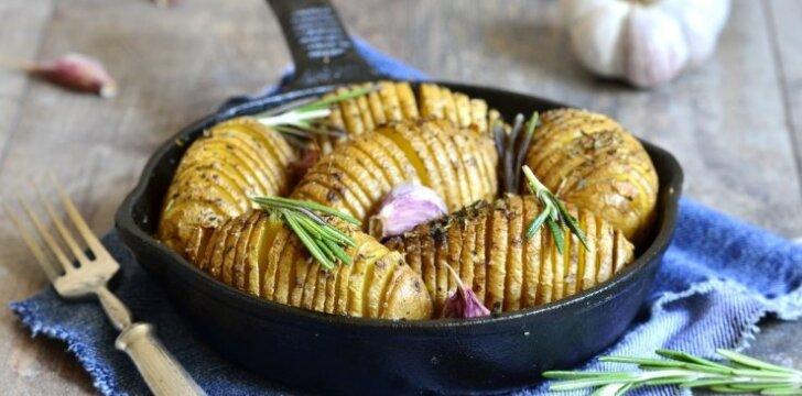 """Česnakinės bulvių """"armonikėlės"""""""