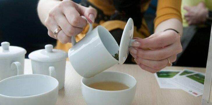 Darjeeling arbata - juodoji, tačiau atrodo kaip žalioji ir yra gintarinio atspalvio.