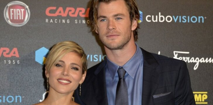 Aktorius Chrisas Hemsworthas su žmona susilaukė dvynių