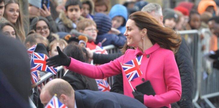 BERNIUKAS! Kate Middleton ir princas Williamas trečią kartą tapo tėvais