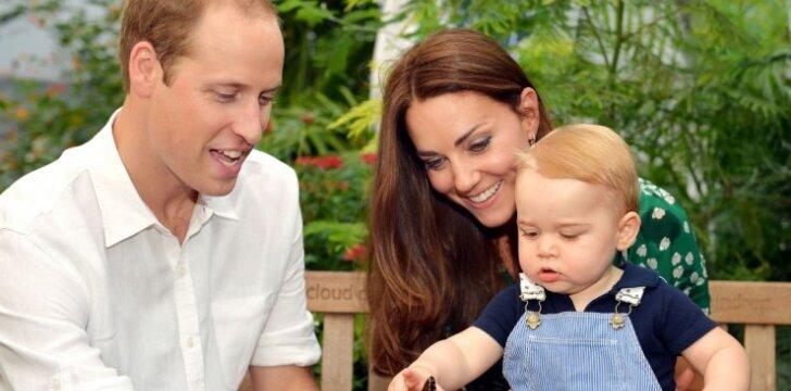 """Pirmąkart viešai rodomi karališkosios šeimos vaikų daiktai ir žaislai <span style=""""color: #ff0000;""""><sup>FOTO</sup></span>"""