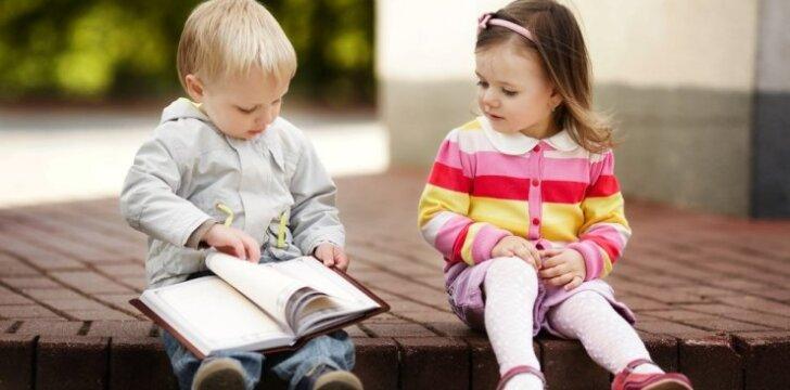 Nuo kada pradėti vaikus mokyti užsienio kalbų?
