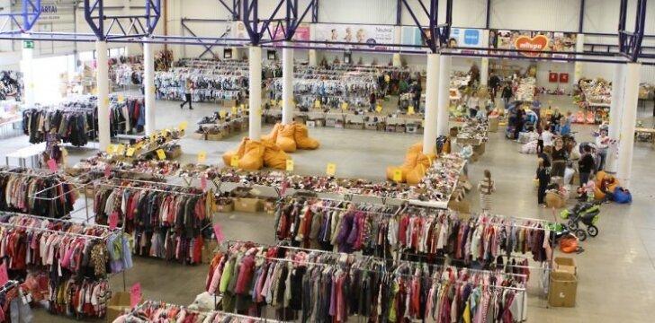 Mamų mugės organizatoriai įspėja: jei tik įmanoma, apsipirkti ateikite be vaikų!