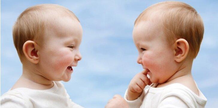 """11 būdų, kaip prajuokinti kūdikius <sup><span style=""""color: #ff0000;"""">VIDEO</span></sup>"""
