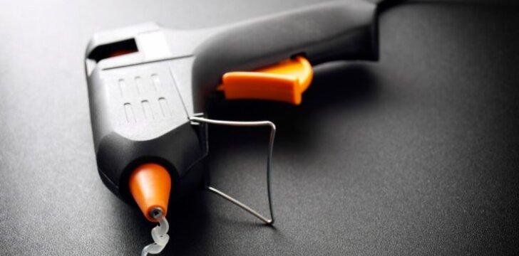 Kaip valyti ir prižiūrėti klijų pistoletą