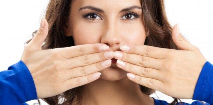 Kokias ligas išduoda spuogai ant veido