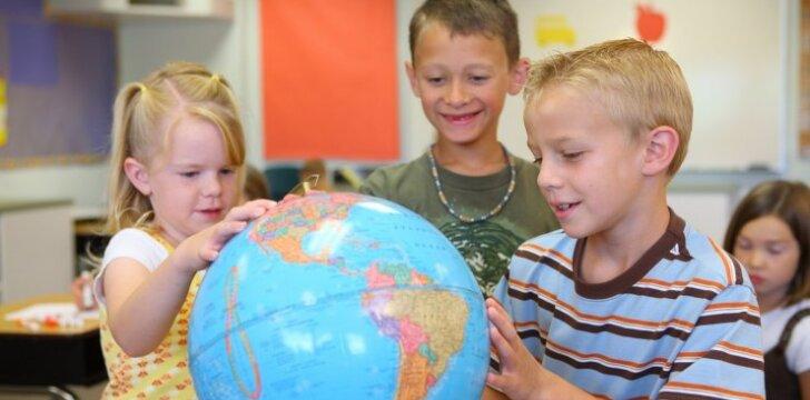 Ar iš tiesų yra naudinga užsienio kalbos pradėti mokyti darželyje