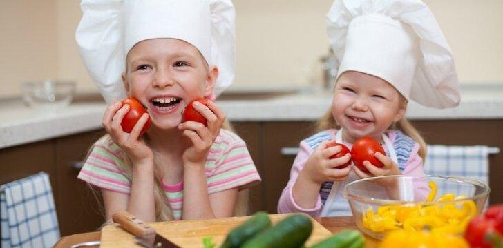 """Knygą apie maistą vaikams parašyti lietuvę įkvėpė asmeninė patirtis <sup style=""""color: #ff0000;"""">+2 receptai</sup>"""