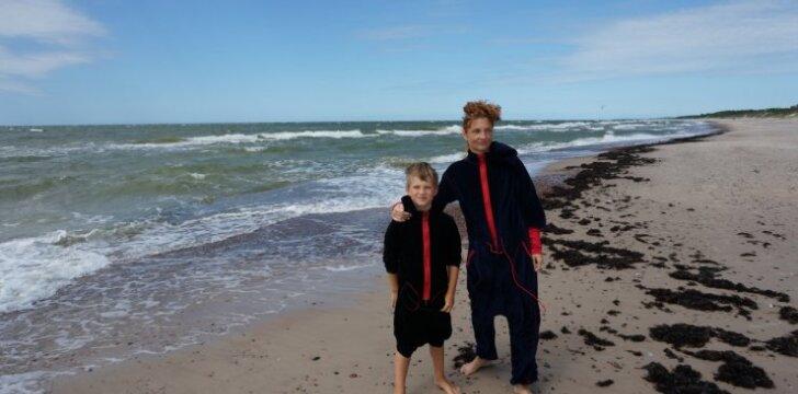 L. Zaveckienė su sūnumi
